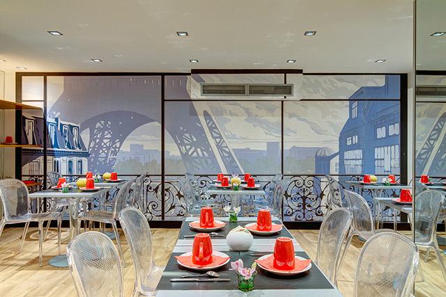 scenic mural decor hotel acadia paris op ra papiers de paris. Black Bedroom Furniture Sets. Home Design Ideas