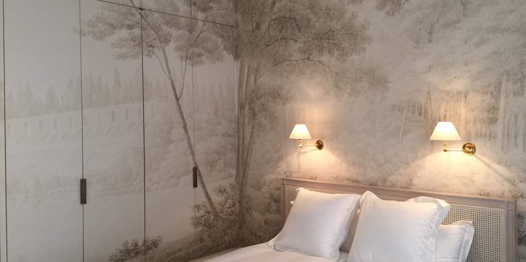Grisaille, antique scenic wallpaper